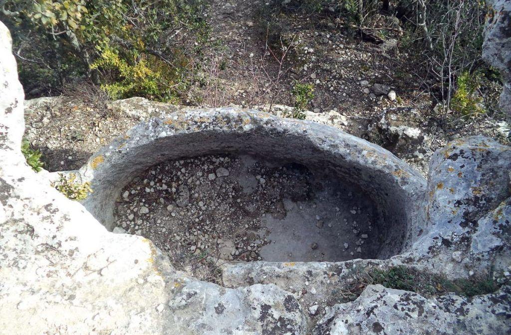 Montségur sur Lauzon - bassin des druides